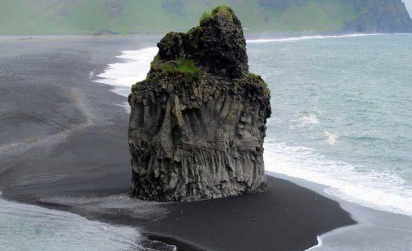 Iceland-Reynisdrangar-beach-black-sand