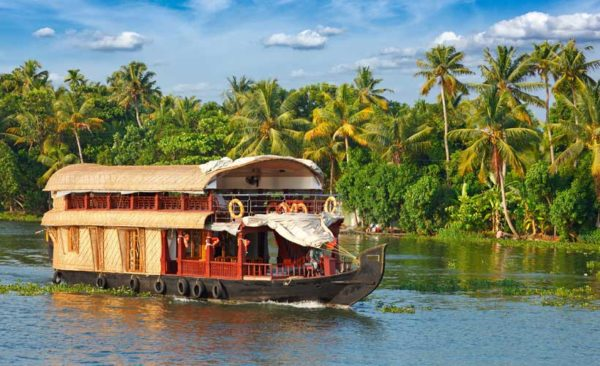 India-Houseboat-southern-india-kerala