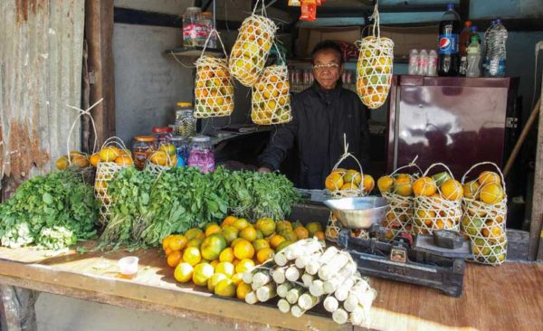 India-Nagaland-roadside-Market