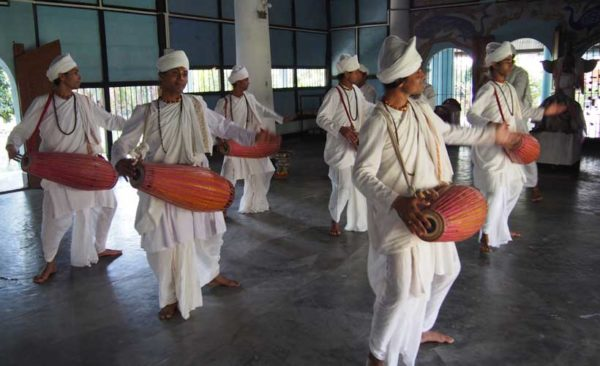 India-dance-of-the-monks-majuli-island