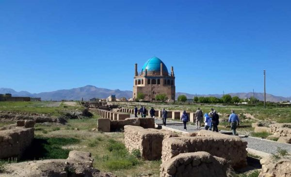 Iran-Mausoleum-of-Uljaytu
