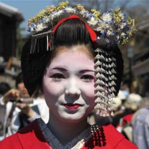 Geisha girl on small group tours Japan