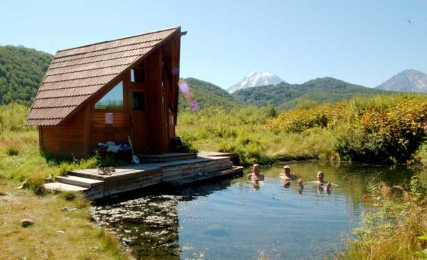 Kamchatka-Nalychevo-National-Park-lodge