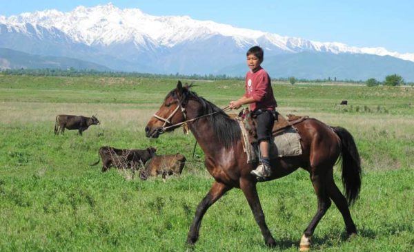 Kyrgyzstan-getting-to-school