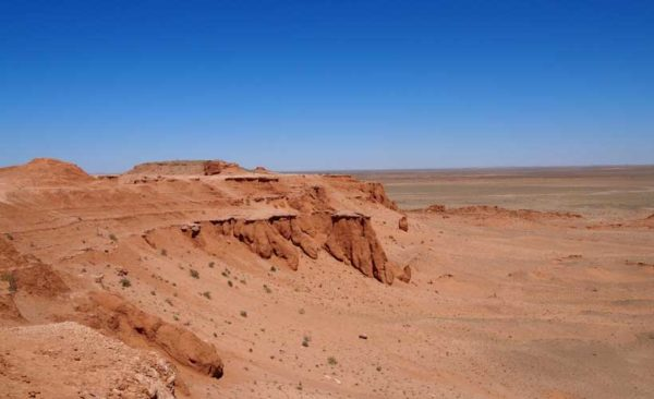 Mongolia-flaming-cliffs-Gobi-Desert