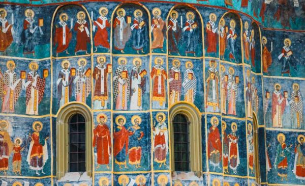 Romania-Painted-exterior-Church-Voronet