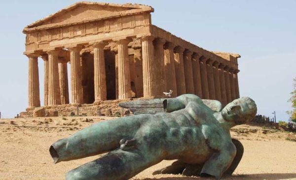Sicily-temple-of-concordia-statue-icarus