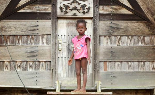 Suriname-local-little-girl
