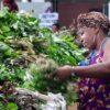 Suriname-selling-vegies-market