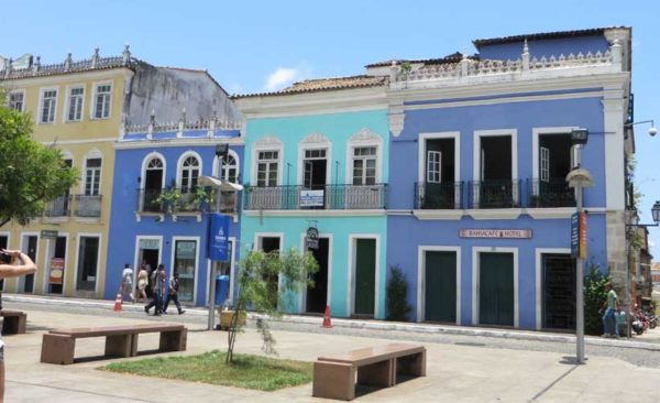 Brazil-typical-colourful-buildings