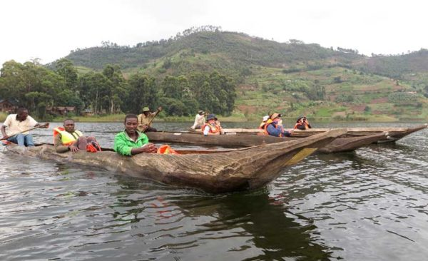 Uganda-dug-out-canoes