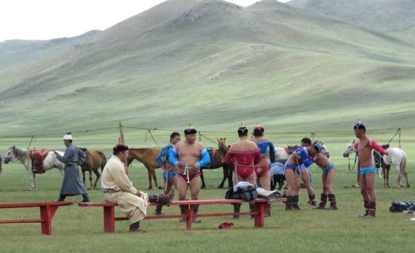 Mongolia-Naadam-wrestling-warm-up