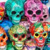 Decorative-skulls-in-market-Mexico