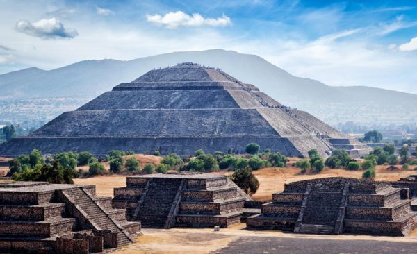 Pyramid-of-the-Sun-Teotihuacan-Mexico