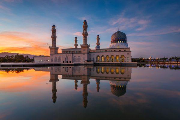 Masjid-Bandaraya-Likas-Borneo