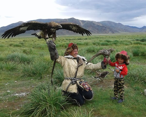 Eagle-hunter-family-in-Ugli
