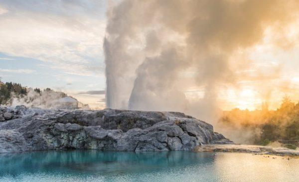 Rotorua mud pools and geysers